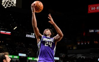 SAN ANTONIO, TX - DECEMBER 6: Buddy Hield #24 of the Sacramento Kings shoots the ball against the San Antonio Spurs on December 6, 2019 at the AT&T Center in San Antonio, Texas. NOTE TO USER: User expressly acknowledges and agrees that, by downloading and or using this photograph, user is consenting to the terms and conditions of the Getty Images License Agreement. Mandatory Copyright Notice: Copyright 2019 NBAE (Photos by Logan Riely/NBAE via Getty Images)