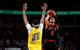 CHICAGO, IL - DECEMBER 6: Zach LaVine #8 of the Chicago Bulls shoots the ball against the Golden State Warriors on December 6, 2019 at United Center in Chicago, Illinois. NOTE TO USER: User expressly acknowledges and agrees that, by downloading and or using this photograph, User is consenting to the terms and conditions of the Getty Images License Agreement. Mandatory Copyright Notice: Copyright 2019 NBAE (Photo by Jeff Haynes/NBAE via Getty Images)