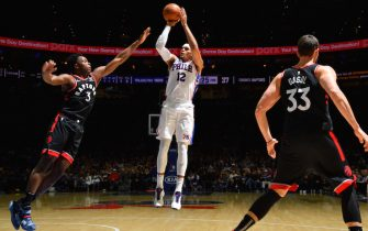 PHILADELPHIA, PA - DECEMBER 8: Tobias Harris #12 of the Philadelphia 76ers shoots the ball against the Toronto Raptors on December 8, 2019 at the Wells Fargo Center in Philadelphia, Pennsylvania NOTE TO USER: User expressly acknowledges and agrees that, by downloading and/or using this Photograph, user is consenting to the terms and conditions of the Getty Images License Agreement. Mandatory Copyright Notice: Copyright 2019 NBAE (Photo by Jesse D. Garrabrant/NBAE via Getty Images)