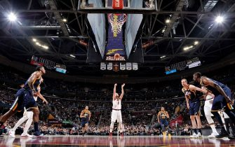 CLEVELAND, OH - DECEMBER 16: Kevin Love #0 of the Cleveland Cavaliers shoots a free throw during the game against the Utah Jazz on December 16. 2017 at Quicken Loans Arena in Cleveland, Ohio. NOTE TO USER: User expressly acknowledges and agrees that, by downloading and/or using this Photograph, user is consenting to the terms and conditions of the Getty Images License Agreement. Mandatory Copyright Notice: Copyright 2017 NBAE  (Photo by David Liam Kyle/NBAE via Getty Images)