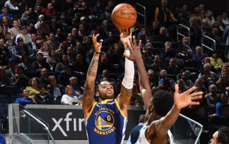 SAN FRANCISCO, CA - DECEMBER 9: D'Angelo Russell #0 of the Golden State Warriors shoots the ball against the Memphis Grizzlies on December 9, 2019 at Chase Center in San Francisco, California. NOTE TO USER: User expressly acknowledges and agrees that, by downloading and or using this photograph, user is consenting to the terms and conditions of Getty Images License Agreement. Mandatory Copyright Notice: Copyright 2019 NBAE (Photo by Noah Graham/NBAE via Getty Images)