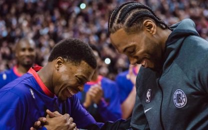 I Raptors consegnano l'anello NBA a Leonard. VIDEO