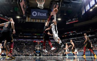 SAN ANTONIO, TX - DECEMBER 12: Marco Belinelli #18 of the San Antonio Spurs shoots the ball against the Cleveland Cavaliers on December 12, 2019 at the AT&T Center in San Antonio, Texas. NOTE TO USER: User expressly acknowledges and agrees that, by downloading and or using this photograph, user is consenting to the terms and conditions of the Getty Images License Agreement. Mandatory Copyright Notice: Copyright 2019 NBAE (Photos by Logan Riely/NBAE via Getty Images)