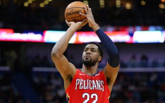 NEW ORLEANS, LOUISIANA - NOVEMBER 14: Derrick Favors #22 of the New Orleans Pelicans in action during a game against the LA Clippers at the Smoothie King Center on November 14, 2019 in New Orleans, Louisiana. NOTE TO USER: User expressly acknowledges and agrees that, by downloading and or using this Photograph, user is consenting to the terms and conditions of the Getty Images License Agreement.  (Photo by Jonathan Bachman/Getty Images)