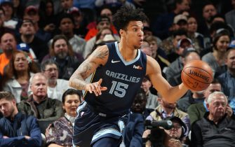 OKLAHOMA CITY, OK- DECEMBER 18: Brandon Clarke #15 of the Memphis Grizzlies handles the ball during the game against the Oklahoma City Thunder on December 18, 2019 at Chesapeake Energy Arena in Oklahoma City, Oklahoma. NOTE TO USER: User expressly acknowledges and agrees that, by downloading and or using this photograph, User is consenting to the terms and conditions of the Getty Images License Agreement. Mandatory Copyright Notice: Copyright 2019 NBAE (Photo by Zach Beeker/NBAE via Getty Images)
