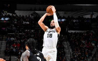 SAN ANTONIO, TX - DECEMBER 19: Marco Belinelli #18 of the San Antonio Spurs shoots the ball against the Brooklyn Nets on December 19, 2019 at the AT&T Center in San Antonio, Texas. NOTE TO USER: User expressly acknowledges and agrees that, by downloading and or using this photograph, user is consenting to the terms and conditions of the Getty Images License Agreement. Mandatory Copyright Notice: Copyright 2019 NBAE (Photos by Logan Riely/NBAE via Getty Images)