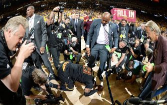 OAKLAND, CA - JUNE 19:  LeBron James #23 of the Cleveland Cavaliers celebrates after winning Game Seven of the 2016 NBA Finals against the Golden State Warriors on June 19, 2016 at ORACLE Arena in Oakland, California. NOTE TO USER: User expressly acknowledges and agrees that, by downloading and/or using this Photograph, user is consenting to the terms and conditions of the Getty Images License Agreement. Mandatory Copyright Notice: Copyright 2016 NBAE (Photo by Andrew D. Bernstein/NBAE via Getty Images)