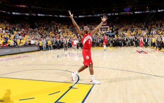 OAKLAND, CA - JUNE 13: Kawhi Leonard #2 of the Toronto Raptors reacts after defeating the Golden State Warriors in Game Six of the 2019 NBA Finals on June 13, 2019 at ORACLE Arena in Oakland, California. NOTE TO USER: User expressly acknowledges and agrees that, by downloading and/or using this photograph, user is consenting to the terms and conditions of Getty Images License Agreement. Mandatory Copyright Notice: Copyright 2019 NBAE (Photo by Nathaniel S. Butler/NBAE via Getty Images)