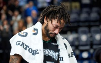 MINNEAPOLIS, MN - OCTOBER 31: Derrick Rose #25 of the Minnesota Timberwolves reacts after scoring 50 points in the game against the Utah Jazz on October 31, 2018 at the Target Center in Minneapolis, Minnesota. NOTE TO USER: User expressly acknowledges and agrees that, by downloading and or using this Photograph, user is consenting to the terms and conditions of the Getty Images License Agreement. (Photo by Hannah Foslien/Getty Images)