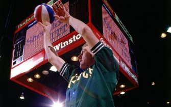 CHICAGO - FEBRUARY 6:  Larry Bird #33 of the Boston Celtics shoots a jumpshot in the long distance shooting contest on1988 during All-Star weekend in Chicago, Illinois.  NOTE TO USER: User expressly acknowledges  and agrees that, by downloading and or using this  photograph, User is consenting to the terms and conditions of the Getty Images License Agreement. Mandatory copyright notice: Copyright NBAE 2002 (Photo by Walter Iooss Jr./ NBAE/ Getty Images)