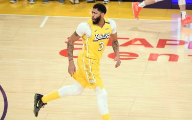 LOS ANGELES, CA - JANUARY 3: Anthony Davis #3 of the Los Angeles Lakers reacts to a play during the game against the New Orleans Pelicans on January 3, 2020 at STAPLES Center in Los Angeles, California. NOTE TO USER: User expressly acknowledges and agrees that, by downloading and/or using this Photograph, user is consenting to the terms and conditions of the Getty Images License Agreement. Mandatory Copyright Notice: Copyright 2020 NBAE (Photo by Adam Pantozzi/NBAE via Getty Images)