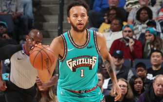 MEMPHIS, TN - NOVEMBER 29: Kyle Anderson #1 of the Memphis Grizzlies handles the ball against the Utah Jazz on November 29, 2019 at FedExForum in Memphis, Tennessee. NOTE TO USER: User expressly acknowledges and agrees that, by downloading and or using this photograph, User is consenting to the terms and conditions of the Getty Images License Agreement. Mandatory Copyright Notice: Copyright 2019 NBAE (Photo by Joe Murphy/NBAE via Getty Images)