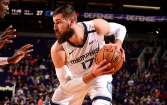 PHOENIX, AZ - JANUARY 5: Jonas Valanciunas #17 of the Memphis Grizzlies handles the ball during a game against the Phoenix Suns on January 5, 2020 at Talking Stick Resort Arena in Phoenix, Arizona. NOTE TO USER: User expressly acknowledges and agrees that, by downloading and or using this photograph, user is consenting to the terms and conditions of the Getty Images License Agreement. Mandatory Copyright Notice: Copyright 2020 NBAE (Photo by Barry Gossage/NBAE via Getty Images)