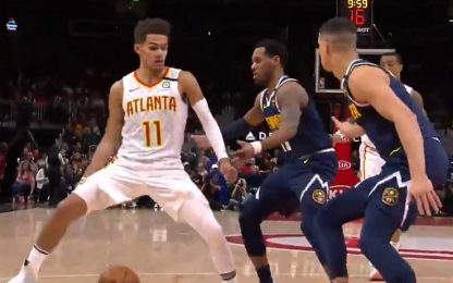 Trae Young ipnotizza la difesa di Denver. VIDEO