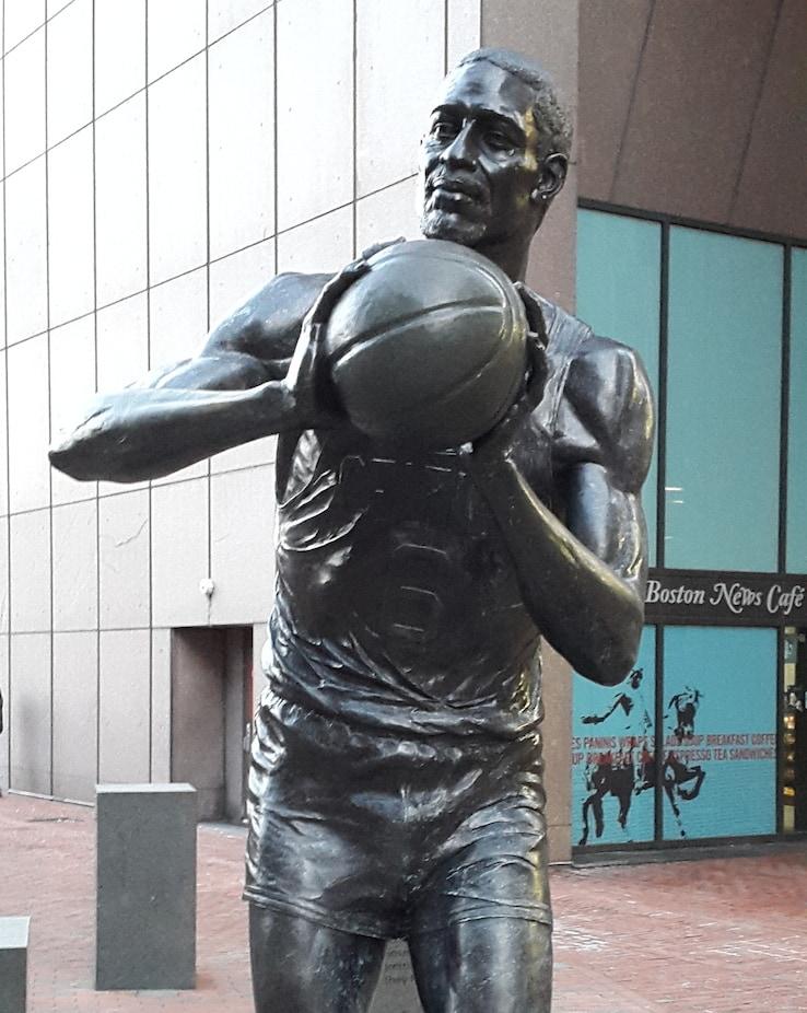 La statua di Bill Russell a Boston