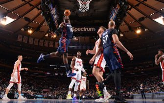 NEW YORK, NY - JANUARY 12: Julius Randle #30 of the New York Knicks drives to the basket against the Miami Heat on January 12, 2020 at Madison Square Garden in New York City, New York.  NOTE TO USER: User expressly acknowledges and agrees that, by downloading and or using this photograph, User is consenting to the terms and conditions of the Getty Images License Agreement. Mandatory Copyright Notice: Copyright 2020 NBAE  (Photo by Jesse D. Garrabrant/NBAE via Getty Images)