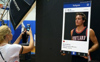 TARRYTOWN, NY - AUGUST 8:   Pat Connaughton #5 of the Portland Trail Blazers poses for a instagram photo during the 2015 NBA rookie photo shoot on August 8, 2015 at the Madison Square Garden Training Facility in Tarrytown, New York. NOTE TO USER: User expressly acknowledges and agrees that, by downloading and or using this photograph, User is consenting to the terms and conditions of the Getty Images License Agreement. Mandatory Copyright Notice: Copyright 2015 NBAE (Photo by Mike Stobe/NBAE via Getty Images)