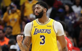 NEW ORLEANS, LOUISIANA - NOVEMBER 27: Anthony Davis #3 of the Los Angeles Lakers reacts after defeating the New Orleans Pelicans at Smoothie King Center on November 27, 2019 in New Orleans, Louisiana.  NOTE TO USER: User expressly acknowledges and agrees that, by downloading and/or using this photograph, user is consenting to the terms and conditions of the Getty Images License Agreement (Photo by Chris Graythen/Getty Images)