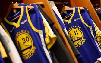 OAKLAND, CA - APRIL 24: The jersey of Klay Thompson #11 of the Golden State Warriors is hung up before Game Five of Round One against the LA Clippers during the 2019 NBA Playoffs on April 24, 2019 at ORACLE Arena in Oakland, California. NOTE TO USER: User expressly acknowledges and agrees that, by downloading and/or using this photograph, user is consenting to the terms and conditions of Getty Images License Agreement. Mandatory Copyright Notice: Copyright 2019 NBAE (Photo by Noah Graham/NBAE via Getty Images)