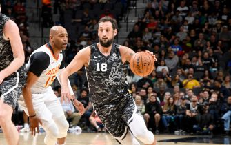 SAN ANTONIO, TX - JANUARY 17: Marco Belinelli #18 of the San Antonio Spurs handles the ball against the Atlanta Hawks on January 17, 2020 at the AT&T Center in San Antonio, Texas. NOTE TO USER: User expressly acknowledges and agrees that, by downloading and or using this photograph, user is consenting to the terms and conditions of the Getty Images License Agreement. Mandatory Copyright Notice: Copyright 2020 NBAE (Photos by Logan Riely/NBAE via Getty Images)