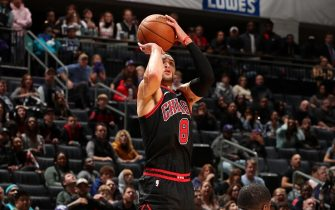 CHARLOTTE, NC - NOVEMBER 23: Zach LaVine #8 of the Chicago Bulls shoots the game winning shot against the Charlotte Hornets on November 23, 2019 at Spectrum Center in Charlotte, North Carolina. NOTE TO USER: User expressly acknowledges and agrees that, by downloading and or using this photograph, User is consenting to the terms and conditions of the Getty Images License Agreement.  Mandatory Copyright Notice:  Copyright 2019 NBAE (Photo by Kent Smith/NBAE via Getty Images)