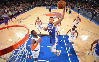NEW YORK, NY - JANUARY 18: Ben Simmons #25 of the Philadelphia 76ers goes up for a dunk during the game against the New York Knicks on January 18, 2020 at Madison Square Garden in New York City, New York.  NOTE TO USER: User expressly acknowledges and agrees that, by downloading and or using this photograph, User is consenting to the terms and conditions of the Getty Images License Agreement. Mandatory Copyright Notice: Copyright 2020 NBAE  (Photo by Jesse D. Garrabrant/NBAE via Getty Images)