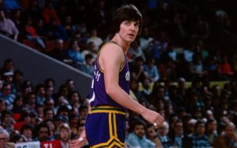 BOSTON, MA - 1977: Pete Maravich #7 of the Utah Jazz walks back on defense during a game played against the Boston Celtics circa 1977 at the Boston Garden in Boston, Massachusetts. NOTE TO USER: User expressly acknowledges and agrees that, by downloading and or using this photograph, User is consenting to the terms and conditions of the Getty Images License Agreement. Mandatory Copyright Notice: Copyright 1977 NBAE (Photo by Dick Raphael/NBAE via Getty Images)