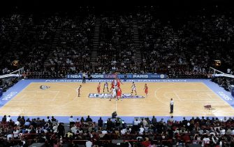 PARIS - OCTOBER 9: The opening tip of the NBA preseason game between the New Jersey Nets and the Miami Heat as part of the 2008 NBA Europe Live Tour on October 9, 2008 at the Bercy Arena in Paris, France. NOTE TO USER: User expressly acknowledges and agrees that, by downloading and/or using this photograph, user is consenting to the terms and conditions of the Getty Images License Agreement.  Mandatory Copyright Notice: Copyright 2008 NBAE (Photo by Randy Belice/NBAE via Getty Images)