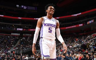 DETROIT, MI - JANUARY 22: De'Aaron Fox #5 of the Sacramento Kings looks on during the game against the Detroit Pistons on January 22, 2020 at Little Caesars Arena in Detroit, Michigan. NOTE TO USER: User expressly acknowledges and agrees that, by downloading and/or using this photograph, User is consenting to the terms and conditions of the Getty Images License Agreement. Mandatory Copyright Notice: Copyright 2020 NBAE (Photo by Chris Schwegler/NBAE via Getty Images)