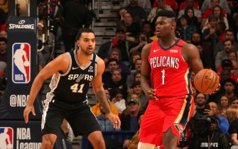 NEW ORLEANS, LA - JANUARY 22: Zion Williamson #1 of the New Orleans Pelicans handles the ball against the San Antonio Spurs on January 22, 2020 at the Smoothie King Center in New Orleans, Louisiana. NOTE TO USER: User expressly acknowledges and agrees that, by downloading and or using this Photograph, user is consenting to the terms and conditions of the Getty Images License Agreement. Mandatory Copyright Notice: Copyright 2020 NBAE (Photo by Layne Murdoch Jr./NBAE via Getty Images)