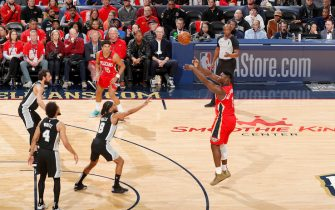 NEW ORLEANS, LA - JANUARY 22: Zion Williamson #1 of the New Orleans Pelicans shoots a 3-point shot against the San Antonio Spurs on January 22, 2020 at Smoothie King Center in New Orleans, Louisiana. NOTE TO USER: User expressly acknowledges and agrees that, by downloading and or using this photograph, User is consenting to the terms and conditions of the Getty Images License Agreement. Mandatory Copyright Notice: Copyright 2020 NBAE (Photo by Jeff Haynes/NBAE via Getty Images)