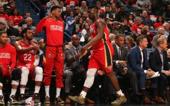 NEW ORLEANS, LA - JANUARY 22: Zion Williamson #1 of the New Orleans Pelicans high-fives teammates during the game against the San Antonio Spurs on January 22, 2020 at the Smoothie King Center in New Orleans, Louisiana. NOTE TO USER: User expressly acknowledges and agrees that, by downloading and or using this Photograph, user is consenting to the terms and conditions of the Getty Images License Agreement. Mandatory Copyright Notice: Copyright 2020 NBAE (Photo by Layne Murdoch Jr./NBAE via Getty Images)
