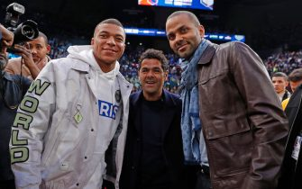 PARIS, FRANCE - JANUARY 24: Kylian Mbappe, Comedian, Jamel Debbouze and NBA Legend, Tony Parker pose for a photo during the Milwaukee Bucks game against the Charlotte Hornets as part of NBA Paris Games 2020 on January 24, 2020 in Paris, France at the AccorHotels Arena. NOTE TO USER: User expressly acknowledges and agrees that, by downloading and/or using this Photograph, user is consenting to the terms and conditions of the Getty Images License Agreement. Mandatory Copyright Notice: Copyright 2020 NBAE (Photo by Catherine Steenkeste/NBAE via Getty Images)