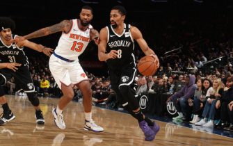 NEW YORK, NY - JANUARY 26: Spencer Dinwiddie #8 of the Brooklyn Nets handles the ball against the New York Knicks on January 26, 2020 at Madison Square Garden in New York City, New York.  NOTE TO USER: User expressly acknowledges and agrees that, by downloading and or using this photograph, User is consenting to the terms and conditions of the Getty Images License Agreement. Mandatory Copyright Notice: Copyright 2020 NBAE  (Photo by Nathaniel S. Butler/NBAE via Getty Images)