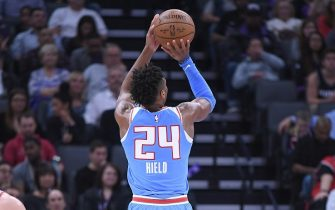 SACRAMENTO, CA - FEBRUARY 05:  Buddy Hield #24 of the Sacramento Kings shoots against the Chicago Bulls during an NBA basketball game at Golden 1 Center on February 5, 2018 in Sacramento, California. NOTE TO USER: User expressly acknowledges and agrees that, by downloading and or using this photograph, User is consenting to the terms and conditions of the Getty Images License Agreement.  (Photo by Thearon W. Henderson/Getty Images)
