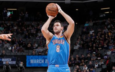 SACRAMENTO, CA - JANUARY 29: Danilo Gallinari #8 of the Oklahoma City Thunder shoots three point basket against the Sacramento Kings on January 29, 2020 at Golden 1 Center in Sacramento, California. NOTE TO USER: User expressly acknowledges and agrees that, by downloading and or using this Photograph, user is consenting to the terms and conditions of the Getty Images License Agreement. Mandatory Copyright Notice: Copyright 2020 NBAE (Photo by Rocky Widner/NBAE via Getty Images)