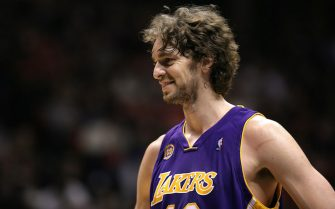 EAST RUTHERFORD, NJ - FEBRUARY 05:  Pau Gasol #16 of the Los Angeles Lakers plays against the New Jersey Nets at the Izod Center on February 5, 2008 in East Rutherford, New Jersey. The Lakers defeated the Nets 105-90. NOTE TO USER: User expressly acknowledges and agrees that, by downloading and or using this Photograph, user is consenting to the terms and conditions of the Getty Images License Agreement  (Photo by Chris Trotman/Getty Images)
