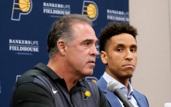 INDIANAPOLIS - JULY 8: Malcolm Brogdon #7 of the Indiana Pacers is introduced by Owner Kevin Pritchard of the Indiana Pacers during a press conference after signing a free agent contract with the Indiana Pacers at Bankers Life Fieldhouse on July 8, 2019 in Indianapolis, Indiana.  NOTE TO USER: User expressly acknowledges and agrees that, by downloading and or using this Photograph, user is consenting to the terms and condition of the Getty Images License Agreement. Mandatory Copyright Notice: 2019 NBAE  (Photo by Ron Hoskins/NBAE via Getty Images)