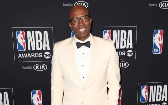 SANTA MONICA, CALIFORNIA - JUNE 24: Kenny Smith poses in the press room during the 2019 NBA Awards presented by Kia on TNT at Barker Hangar on June 24, 2019 in Santa Monica, California. (Photo by Joe Scarnici/Getty Images for Turner Sports)