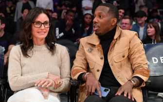 LOS ANGELES, CALIFORNIA - JANUARY 13: Courtney Cox and Rich Paul attend a basketball game between the Los Angeles Lakers and the Cleveland Cavaliers at Staples Center on January 13, 2020 in Los Angeles, California. (Photo by Allen Berezovsky/Getty Images)