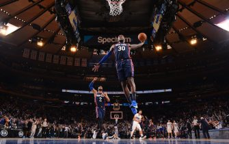 NEW YORK, NY - FEBRUARY 6: Julius Randle #30 of the New York Knicks dunks the ball against the Orlando Magic on February 6, 2020 at Madison Square Garden in New York City, New York.  NOTE TO USER: User expressly acknowledges and agrees that, by downloading and or using this photograph, User is consenting to the terms and conditions of the Getty Images License Agreement. Mandatory Copyright Notice: Copyright 2020 NBAE  (Photo by Jesse D. Garrabrant/NBAE via Getty Images)