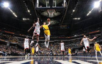 INDIANAPOLIS, IN - FEBRUARY 7:  Domantas Sabonis #11 of the Indiana Pacers dunks the ball against the Toronto Raptors on FEBRUARY 7, 2020 at Bankers Life Fieldhouse in Indianapolis, Indiana. NOTE TO USER: User expressly acknowledges and agrees that, by downloading and or using this Photograph, user is consenting to the terms and conditions of the Getty Images License Agreement. Mandatory Copyright Notice: Copyright 2020 NBAE (Photo by Ron Hoskins/NBAE via Getty Images)