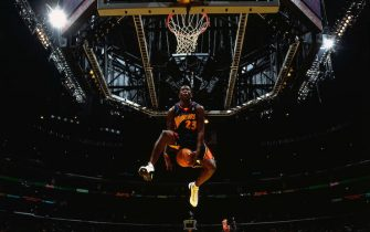 LOS ANGELES - FEBRUARY 14:  Jason Richardson #23 of the Golden State Warriors goes for a dunk during the Sprite Rising Stars Slam Dunk Competition on February 14, 2004 at the Staples Center in Los Angeles, California.   NOTE TO USER: User expressly acknowledges and agrees that, by downloading and or using this photograph, User is consenting to the terms and conditions of the Getty Images License Agreement. (Photo by Nathaniel S. Butler/NBAE via Getty Images)