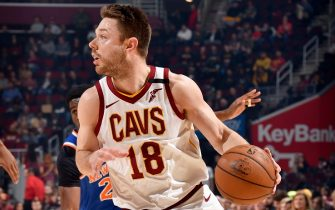 CLEVELAND, OH - FEBRUARY 3: Matthew Dellavedova #18 of the Cleveland Cavaliers handles the ball against the New York Knicks on February 3, 2020 at Rocket Mortgage FieldHouse in Cleveland, Ohio. NOTE TO USER: User expressly acknowledges and agrees that, by downloading and/or using this Photograph, user is consenting to the terms and conditions of the Getty Images License Agreement. Mandatory Copyright Notice: Copyright 2020 NBAE (Photo by David Liam Kyle/NBAE via Getty Images)