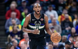 INDIANAPOLIS, INDIANA - FEBRUARY 12: Khris Middleton #22 of the Milwaukee Bucks shoots the ball against the Indiana Pacers at Bankers Life Fieldhouse on February 12, 2020 in Indianapolis, Indiana.      NOTE TO USER: User expressly acknowledges and agrees that, by downloading and or using this photograph, User is consenting to the terms and conditions of the Getty Images License Agreement. (Photo by Andy Lyons/Getty Images)