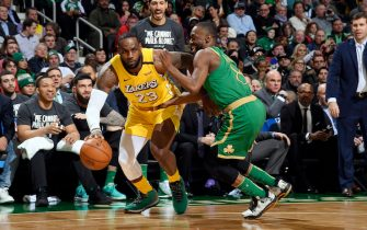 BOSTON, MA - JANUARY 20: LeBron James #23 of the Los Angeles Lakers handles the ball during the game while Kemba Walker #8 of the Boston Celtics plays defense on January 20, 2020 at the TD Garden in Boston, Massachusetts.  NOTE TO USER: User expressly acknowledges and agrees that, by downloading and or using this photograph, User is consenting to the terms and conditions of the Getty Images License Agreement. Mandatory Copyright Notice: Copyright 2020 NBAE  (Photo by Brian Babineau/NBAE via Getty Images)