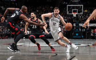 BROOKLYN, NY - JANUARY 4: Joe Harris #12 of the Brooklyn Nets handles the ball against the Toronto Raptors on January 4, 2020 at Barclays Center in Brooklyn, New York. NOTE TO USER: User expressly acknowledges and agrees that, by downloading and or using this Photograph, user is consenting to the terms and conditions of the Getty Images License Agreement. Mandatory Copyright Notice: Copyright 2020 NBAE (Photo by Nathaniel S. Butler/NBAE via Getty Images)
