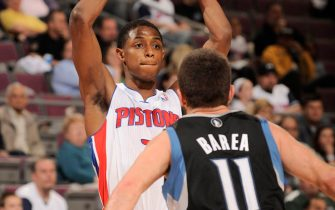 AUBURN HILLS, MI - APRIL 19:  Brandon Knight #7 of the Detroit Pistons looks to pass the ball against Jose Juan Barea #11 of the Minnesota Timberwolves during the game on April 19, 2012 at The Palace of Auburn Hills in Auburn Hills, Michigan. NOTE TO USER: User expressly acknowledges and agrees that, by downloading and/or using this photograph, User is consenting to the terms and conditions of the Getty Images License Agreement.  Mandatory Copyright Notice: Copyright 2012 NBAE (Photo by J. Dennis/Einstein/NBAE via Getty Images)