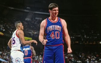 PHILADELPHIA - CIRCA 1991: Bill Laimbeer #40 of the Detroit Pistons reacts against the Philadelphia 76ers circa 1991 at the Spectrum in Philadelphia, Pennsylvania. NOTE TO USER: User expressly acknowledges and agrees that, by downloading and or using this photograph, User is consenting to the terms and conditions of the Getty Images License Agreement. Mandatory Copyright Notice: Copyright 1991 NBAE (Photo by Nathaniel S. Butler/NBAE via Getty Images)