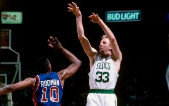 BOSTON, MA - 1992: Larry Bird #33 of the Boston Celtics shoots against Dennis Rodman #10 of the Detroit Pistons during a game in 1992 at the Boston Garden in Boston, Massachusetts. NOTE TO USER: User expressly acknowledges and agrees that, by downloading and/or using this Photograph, user is consenting to the terms and conditions of the Getty Images License Agreement. Mandatory Copyright Notice: Copyright 1992 NBAE (Photo by Dick Raphael/NBAE via Getty Images)